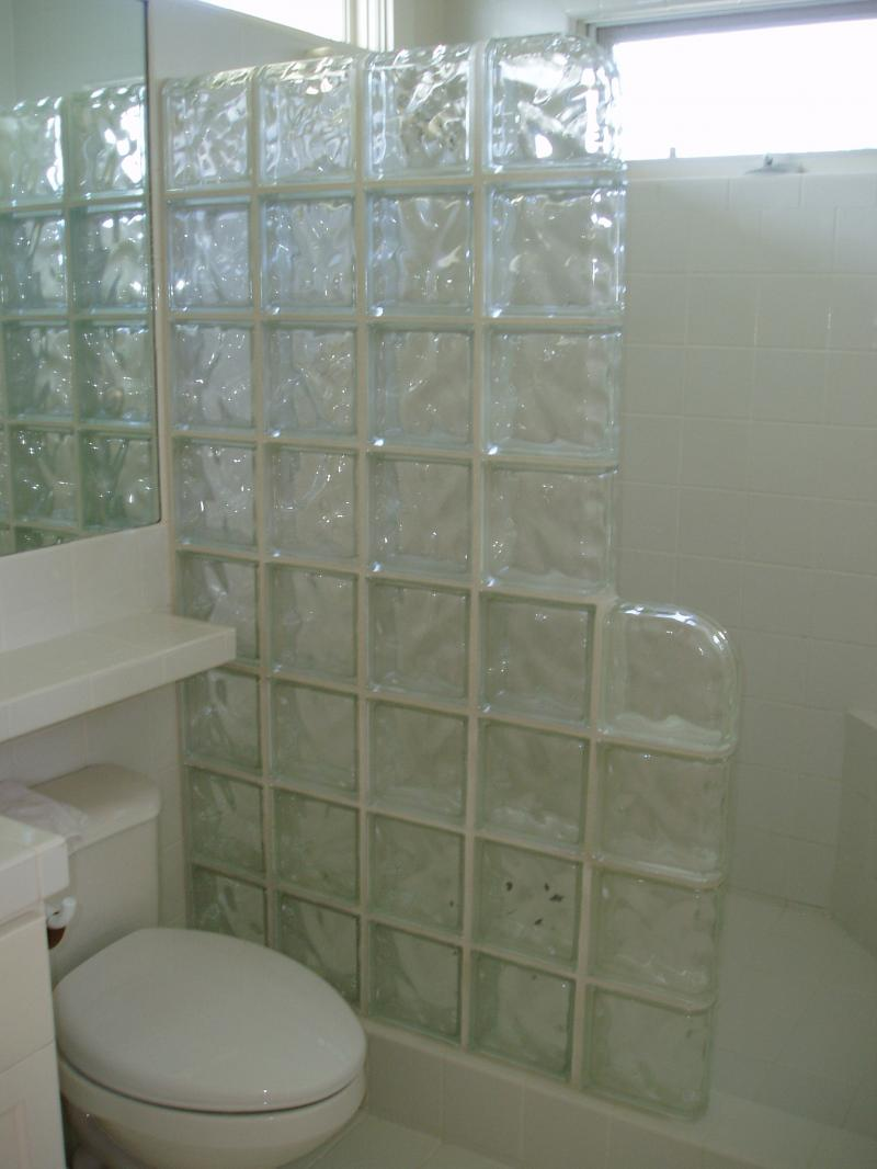 glass bathroom tile ideas